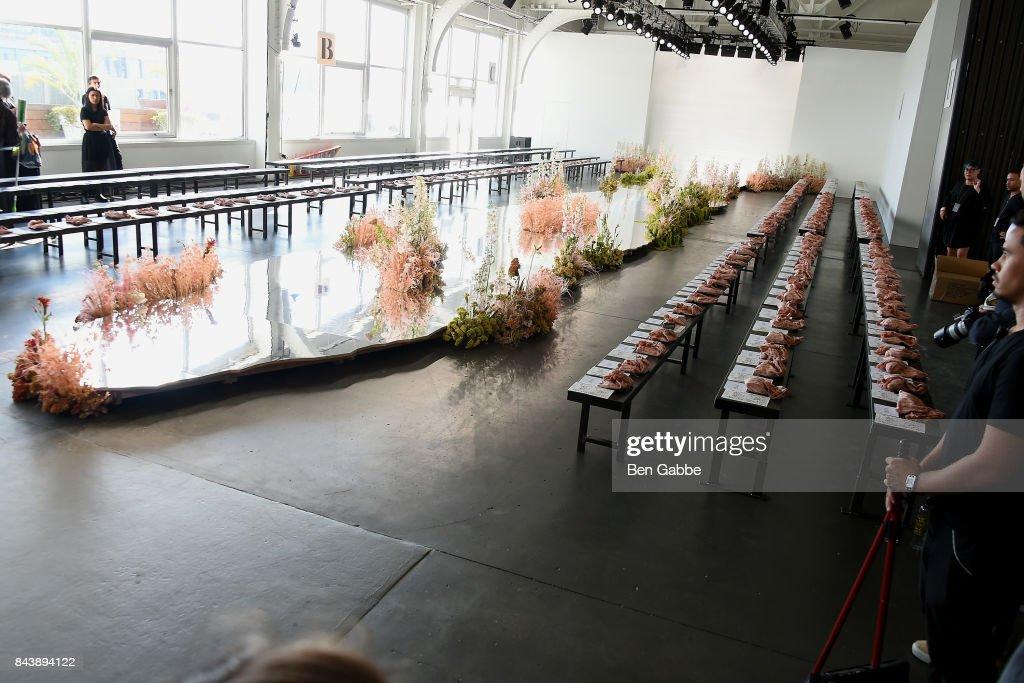 Ulla Johnson - Front Row - September 2017 - New York Fashion Week : ニュース写真