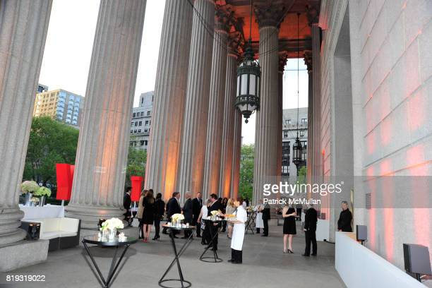 Atmosphere at VANITY FAIR TRIBECA FILM FESTIVAL Opening Night Dinner Hosted by ROBERT DE NIRO GRAYDON CARTER and RONALD PERELMAN at The State Supreme...