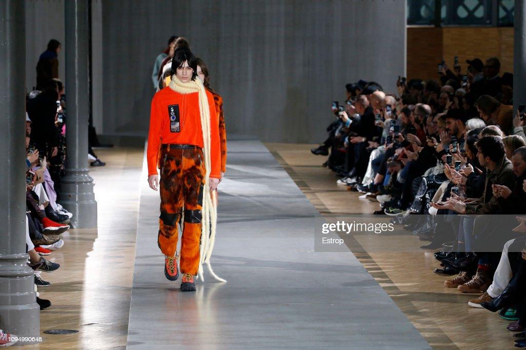 Acne Studio : Runway - Paris Fashion Week - Menswear F/W 2019-2020 : ニュース写真