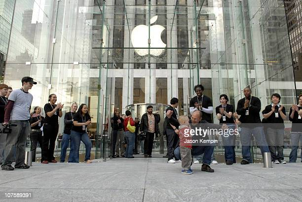 Atmosphere during Apple Opens Flagship Store In Manhattan May 19 2006 at 5th Avenue in New York City New York