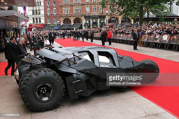 Atmosphere during 'Batman Begins' London Premiere Arrivals at Odeon Leicester Square in London Great Britain