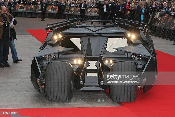 Atmosphere during Batman Begins London Premiere Arrivals at Odeon Leicester Square in London Great Britain