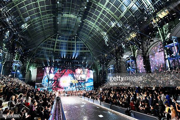 Atmosphere during the 2016 Victoria's Secret Fashion Show on November 30 2016 in Paris France