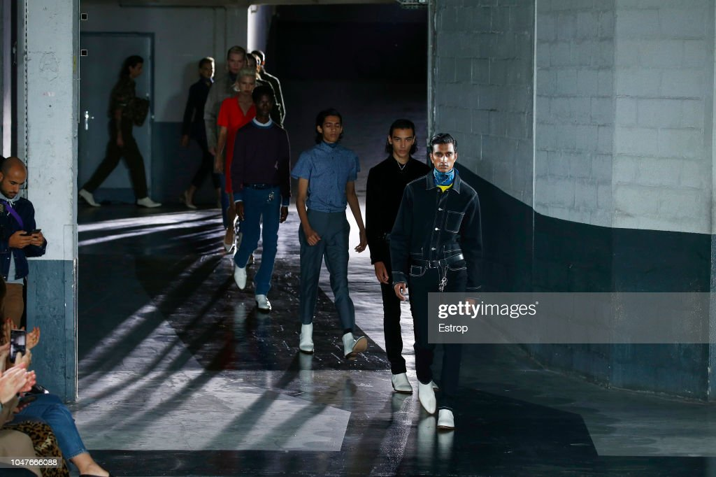 A.P.C : Runway - Paris Fashion Week Womenswear Spring/Summer 2019 : ニュース写真