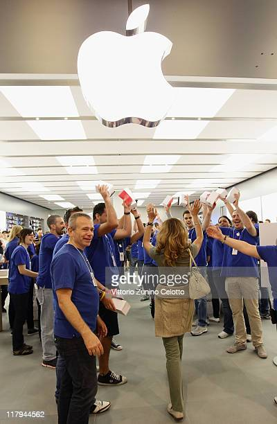 Atmosphere during the Apple store opening in Rozzano on July 2 2011 in Milan Italy The Apple store of Rozzano is the 5th Apple store in Italy