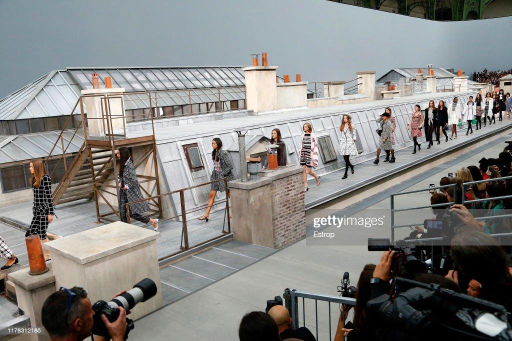 Chanel : Runway - Paris Fashion Week - Womenswear Spring Summer 2020 : ニュース写真