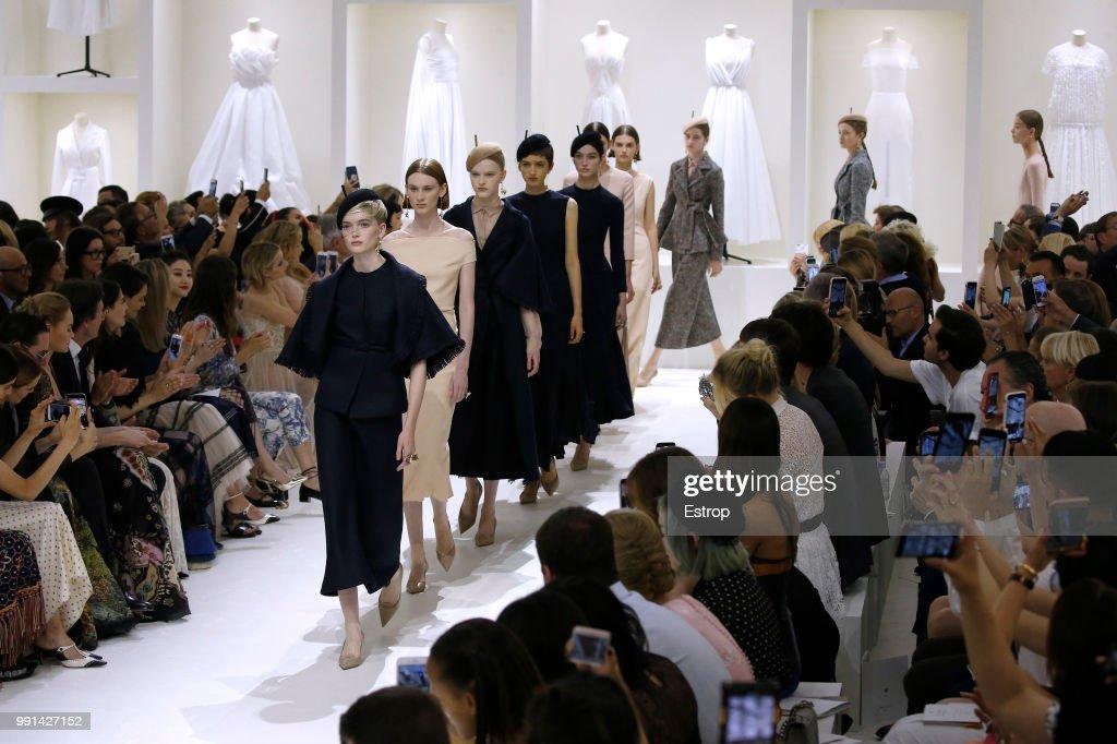 Christian Dior : Details - Paris Fashion Week - Haute Couture Fall Winter 2018/2019 : News Photo