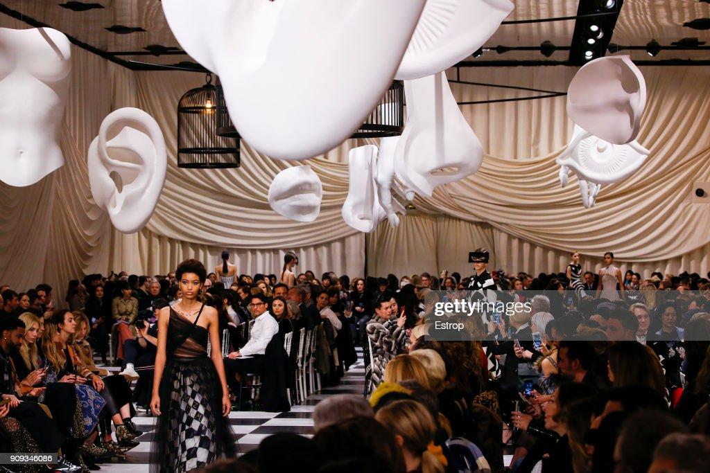Christian Dior : Details - Paris Fashion Week - Haute Couture Spring Summer 2018 : ニュース写真