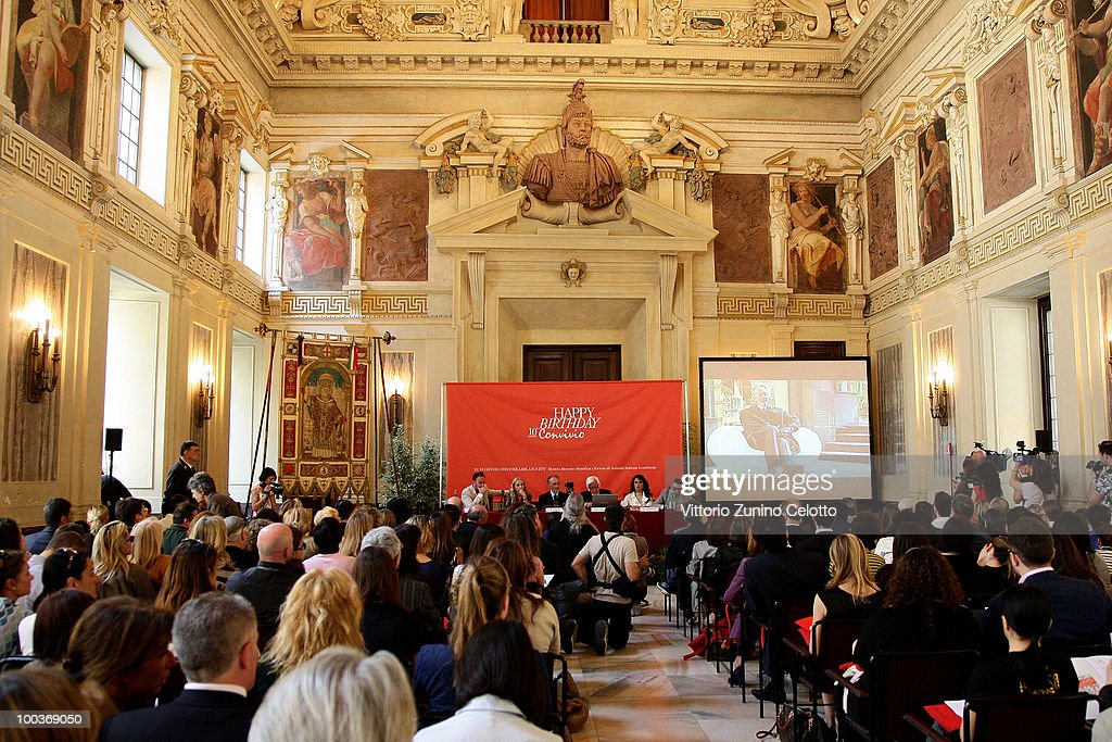 Atmosphere during the Convivio 2010 Press Conference held at Palazzo Marino on May 24, 2010 in Milan, Italy.