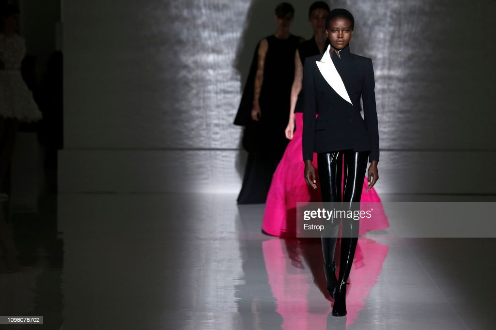 Givenchy : Runway - Paris Fashion Week - Haute Couture Spring Summer 2019 : ニュース写真