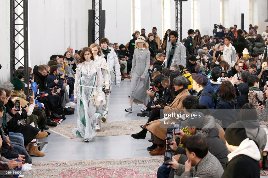 Sacai : Runway - Paris Fashion Week - Menswear F/W 2019-2020 : ニュース写真