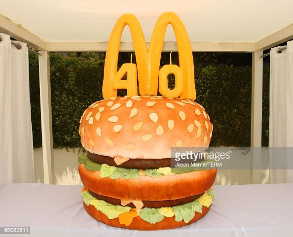 Fantastic Atmosphere Of A Big Mac Cake At The Mcdonalds Big Mac 40Th Birthday Cards Printable Nowaargucafe Filternl