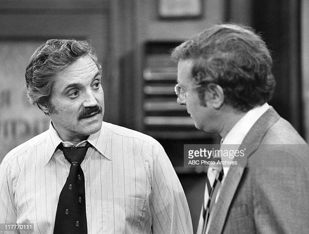 549 Steve Landesberg Photos And Premium High Res Pictures Getty Images Steve landsberg was an american actor, comic, and voice actor, who is best known for playing arthur p. https www gettyimages com photos steve landesberg