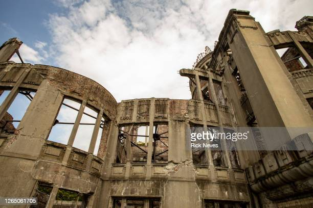 atomic bomb dome in hiroshima - atomic bombing of hiroshima stock pictures, royalty-free photos & images