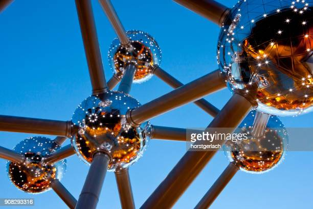 atomium, brussels, belgium - brussels capital region stock pictures, royalty-free photos & images