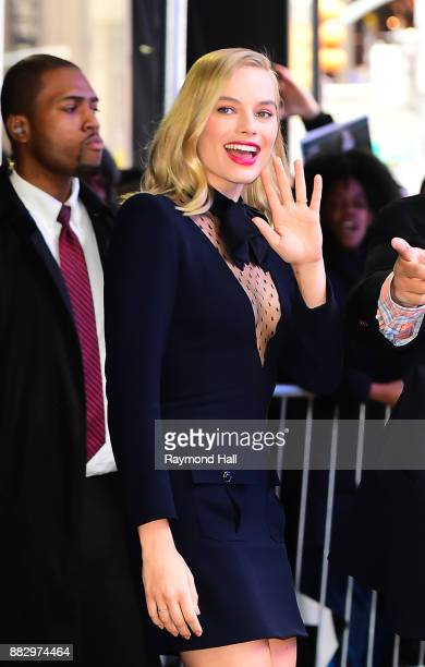 Ator Margot Robbie is seen Leaving Good Morning America on November 30 2017 in New York City