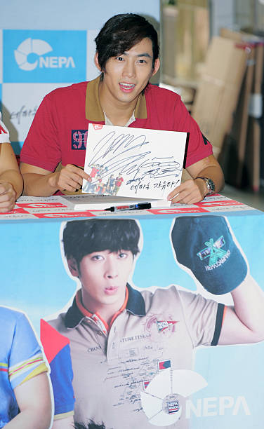 KOR: 2PM Autograph Session Collaboration With NEPA