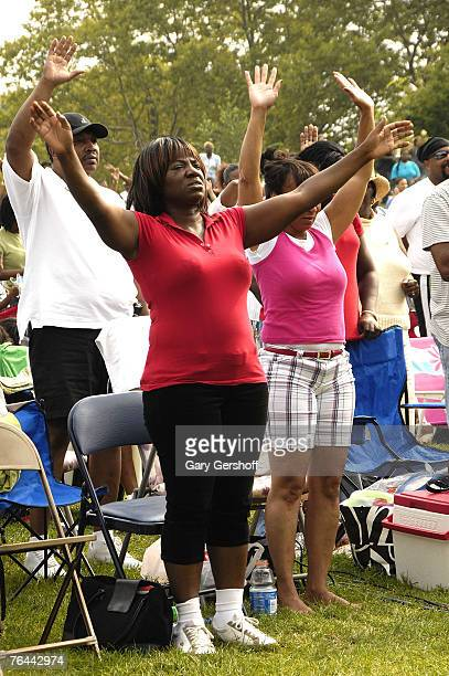 Attendees at The New York Call and Youth Xplosion Starbury Giveback Day on August 31 2007 in Eisenhower Park East Meadow New York