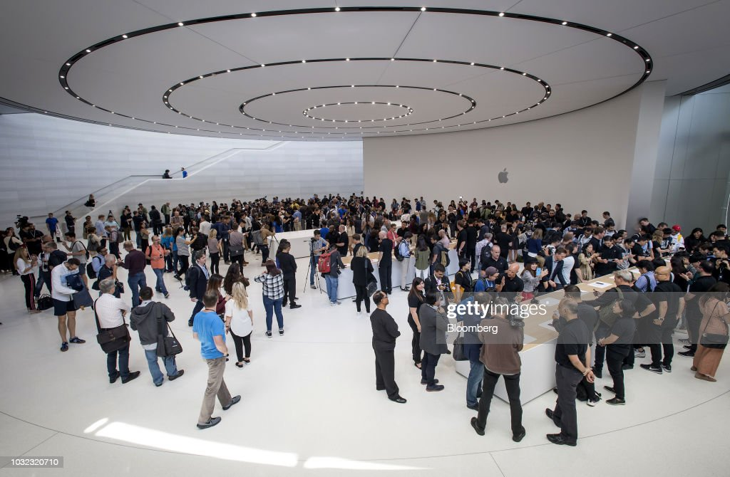 Apple Inc. Kicks Off Product Blitz With IPhone Xs Line And Watches : News Photo