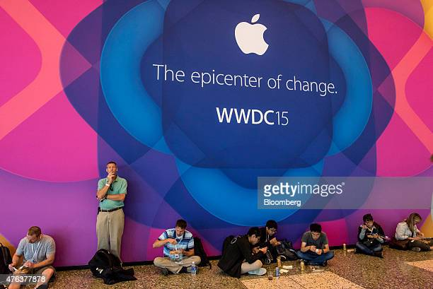 Attendees eat lunch after the keynote speech during the Apple World Wide Developers Conference in San Francisco California US on Monday June 8 2015...