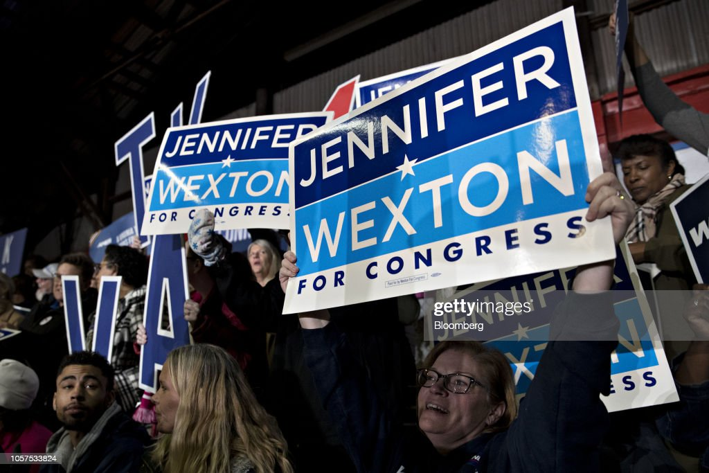 Democratic U.S. House Candidate Jennifer Wexton Campaigns With Senator Kaine Ahead Of Midterm Election : News Photo