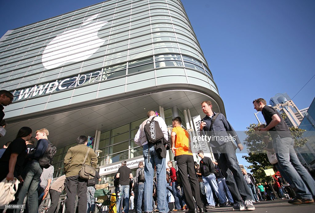 Attendees of Apple's developer conferenc : News Photo