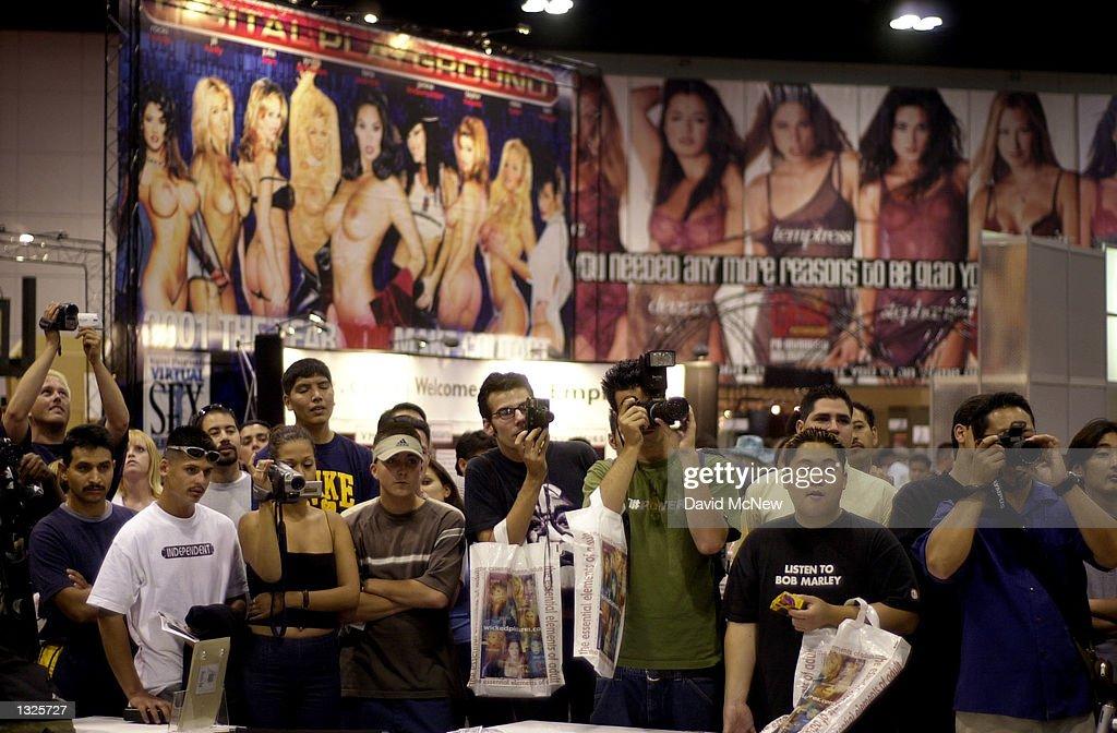 Adult entertainment tradeshow photo 206