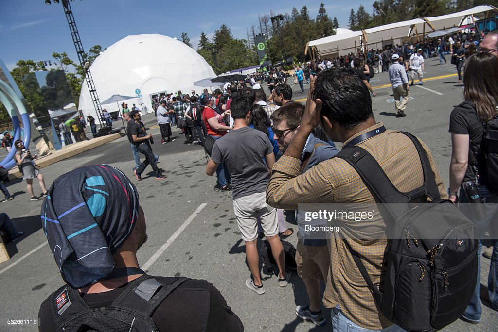 Attendees wait in line for a presentation during the Google I/O Annual Developers Conference in Mountain View, California, U.S., on Wednesday, May 18, 2016. Google unveiled a new video calling application named Duo that will compete with Apple Inc.'s FaceTime. Photographer: David Paul Morris/Bloomberg via Getty Images