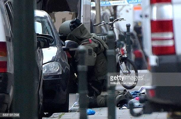 un véhicule suspect repéré rue Joseph II à Bruxelles Aanslagen Parijs verdachte wagen met Franse nummerplaat in de Jozef IIstraat Attentats de Paris...