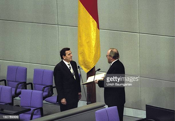 Attestation of Gerhard SCHROEDER as federal chancellor by Wolfgang THIERSE president of the federal german parliament in the plenary of the federal...