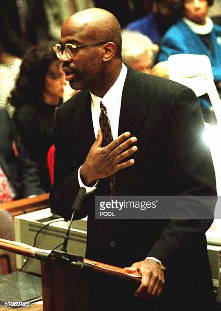 Attorney for the prosecution Christopher Darden gestures as he addresses the jury during opening statements in the OJ Simpson murder trial 24 January...