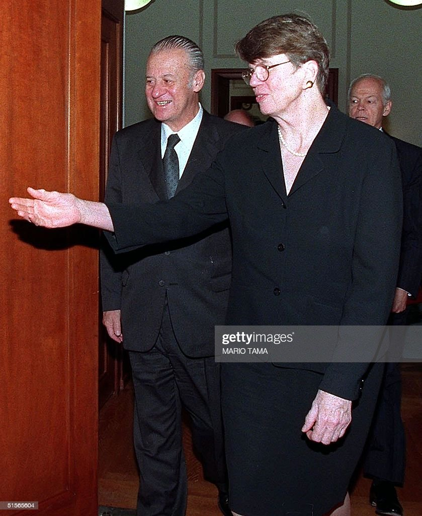 Us Attorney General Janet Reno R Escorts Chilean News Photo