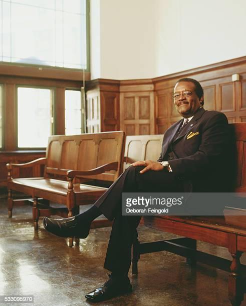 Attorney Johnnie Cochran in Courtroom