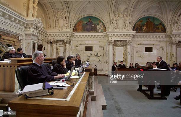 Attorney Laurence Tribe representing the ACLU argues his case in front of judges of the 9th US Circuit Court of Appeals September 22 2003 in San...