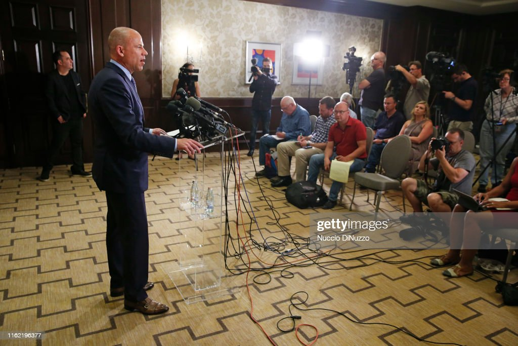 Attorney Representing Some Of R. Kelly's Accusers,  Michael Avenatti Holds News Conference In Chicago : News Photo
