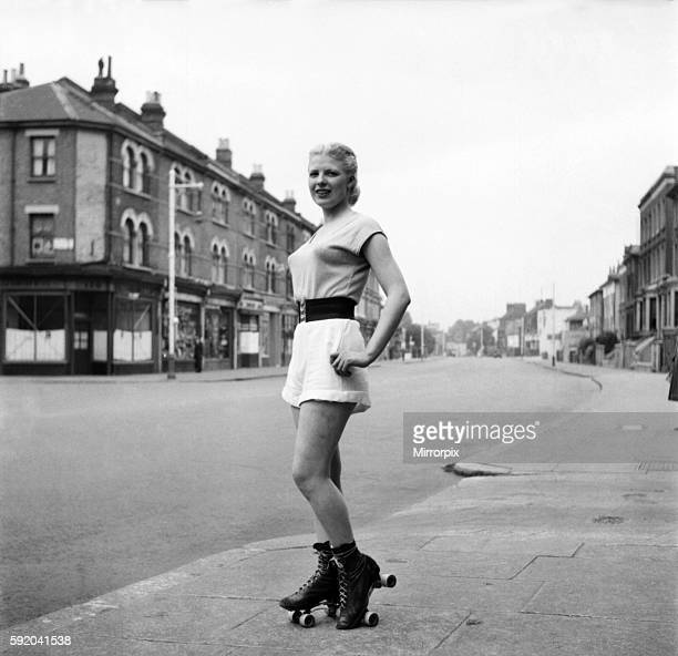 Attractive blonde 20 year old girl from Brixton signed up with the 40 America 'Hell Cats' of the roller derby at Harringay She is Betty Searle a...