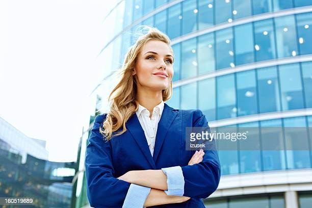 séduisante femme d'affaires - cadrage à la taille photos et images de collection