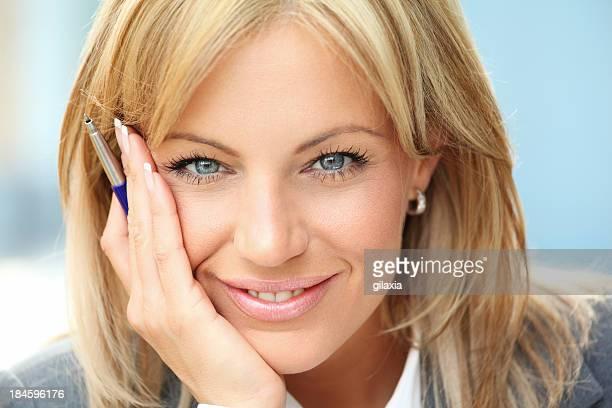 attraente donna d'affari, primo piano. - gilaxia foto e immagini stock