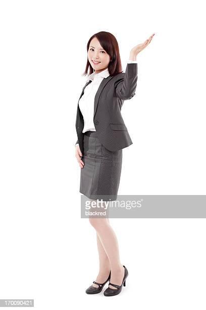 魅力的な中国のビジネスウーマンのアルノリバービュールームを笑顔に白背景