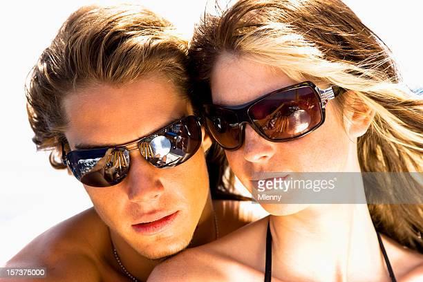 Atractiva pareja en verano