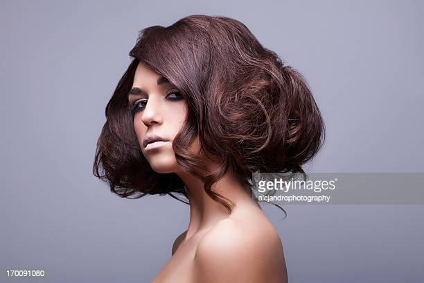 魅力的なヘア&ビューティー