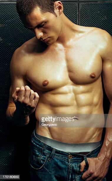 attraente modello maschio - ragazzi fighi nudi foto e immagini stock