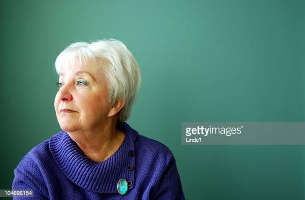 Atractiva mujer mayor