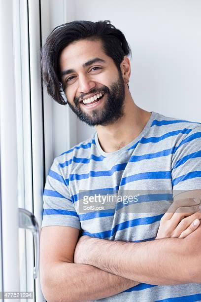 atractiva joven masculino adultos - handsome pakistani men fotografías e imágenes de stock