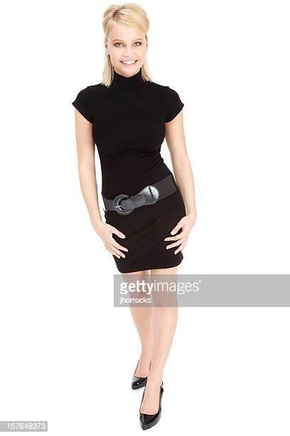 Atraente Jovem mulher no Pequeno vestido preto