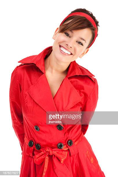 Belle jeune femme en rouge Trench-Coat