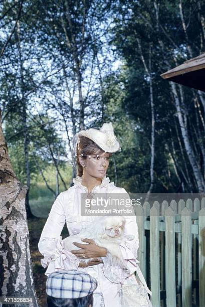 L'attrice italiana Lea Massari as Anna Karenina holding a dog in the Tv miniseries Anna Karenina 1974
