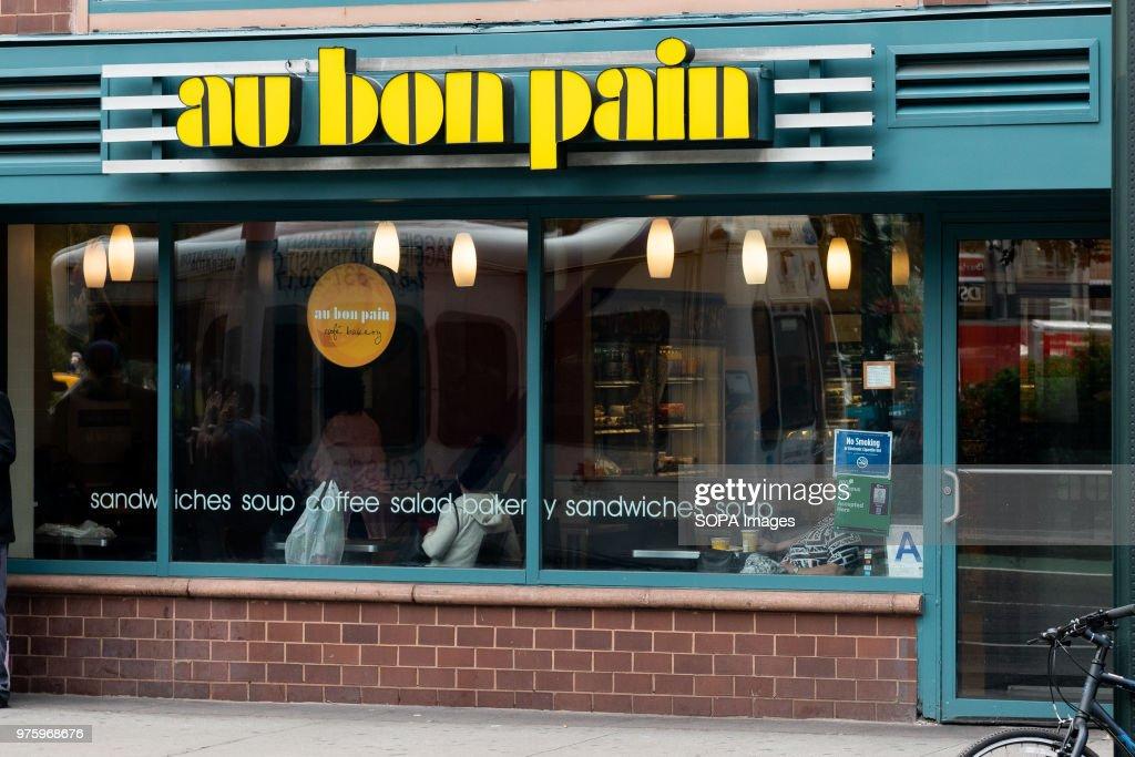 Au Bon Pain Restaurant In Union Square In New York City News Photo