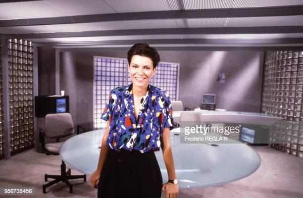 Auberi Edler présentatrice du journal d'Antenne 2 le 9 septembre 1987 à Paris France