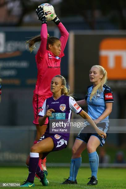 Aubrey Bledsoe of Sydney saves a shot on goal during the round 11 WLeague match between the Perth Glory and Sydney FC at Dorrien Gardens on January...